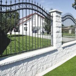 Maclit fal-, kerítéselem