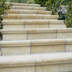 Bradstone Travero lépcsőelem