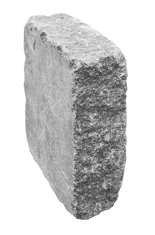 További Gutshof termékek (Szegélykő Gutshof koptatott<br />30/20/10 x 7,5 x 24 cm)